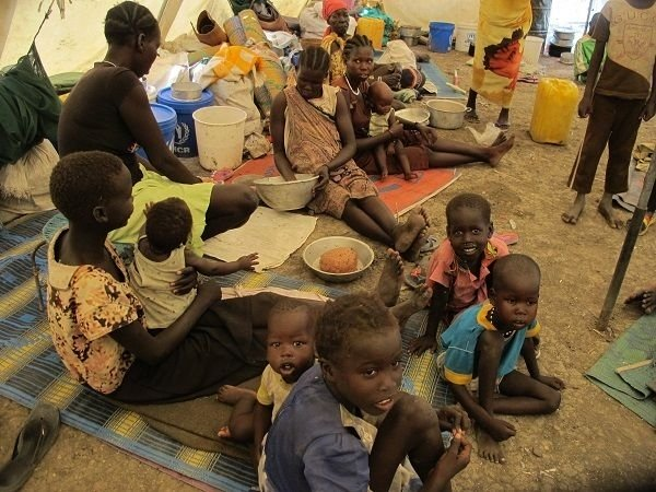 Since the beginning of April, over 6,600 people have fled their homes to seek shelter at the congested protection of civilians (PoC) site in Malakal, Upper Nile State. Photo: Beatrice Debut/MSF