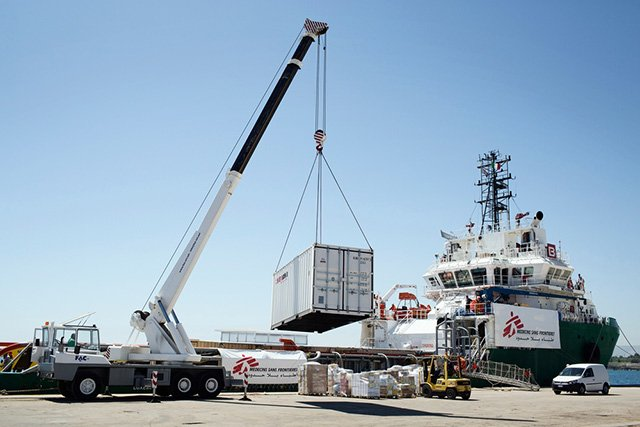 Preparations on the Msf ship for the search and rescue operation in Augusta port. Photo: Alessandro Penso