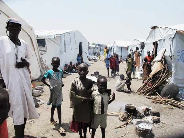 More than 20,000 displaced people have taken refuge in the UN camp in Malakal, in Upper Nile State, in South Sudan. Photo: Beatrice Debut/MSF