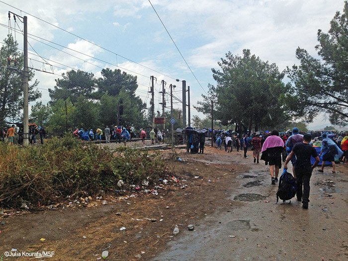 Greece. More than 3000 refugees are gathered at the FYROM borders.