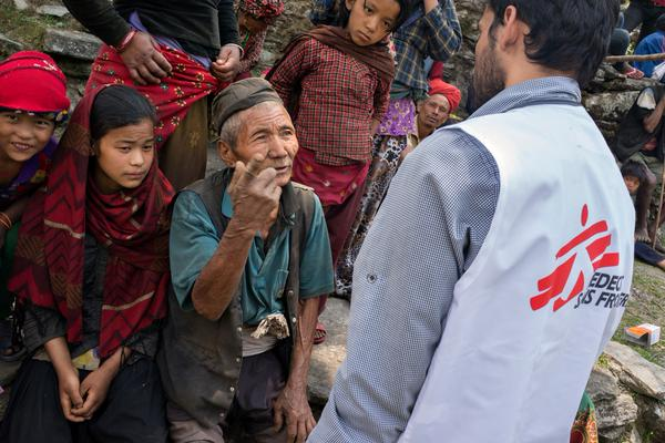 MSF's mobile clinic in Dhading district, Nepal, on 6 May: Photo: Brian Sokol/MSF