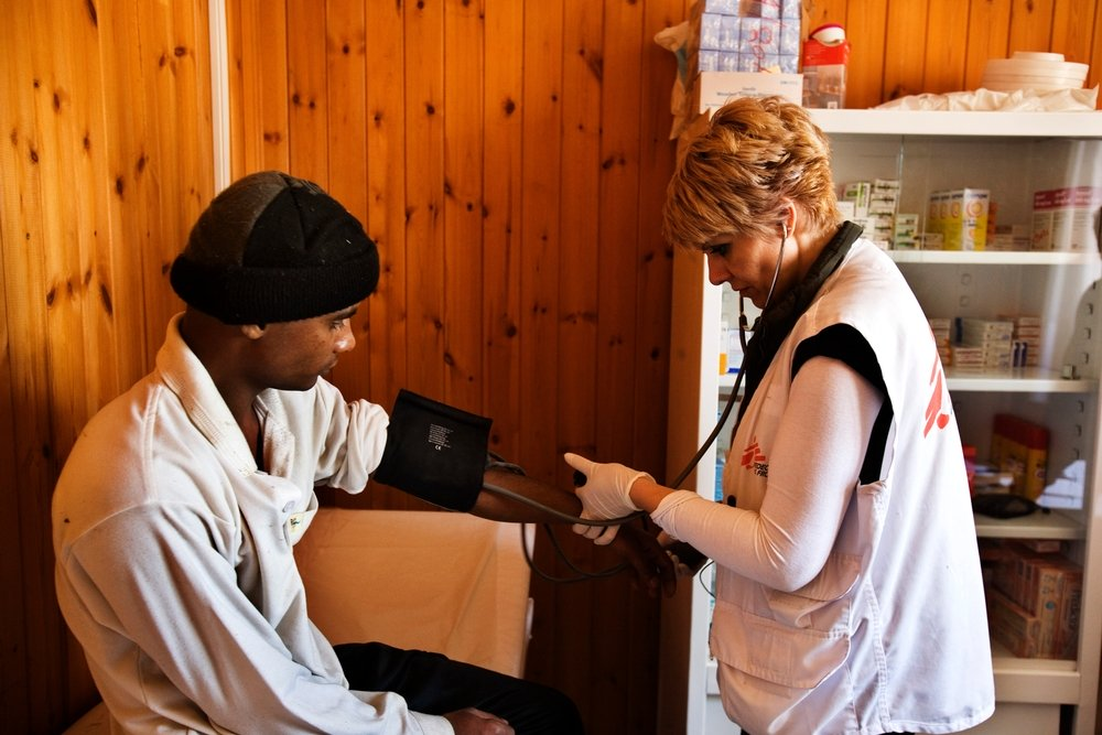 MSF teamsprovide support to newly arriving migrants in Poros by providing medical triage and first medical assistance to the most vulnerable.