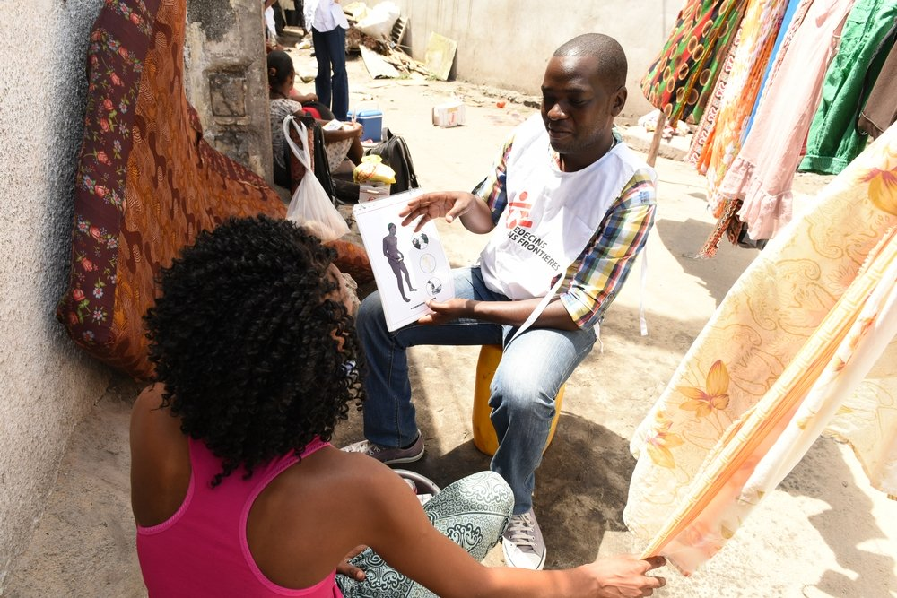 Albino Zefanias Bussanhe Chingueiro is working as a VCT counselor (Voluntary Counseling and Testing) in the corridor project in the streets of Beira