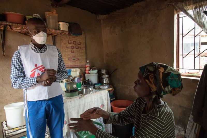 Celumusa Hlatswako, an MSF mobile counsellor, visits Winile, 39, XDR-TB patient & HIV-positive