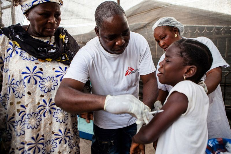 Measles vaccination in Guinea