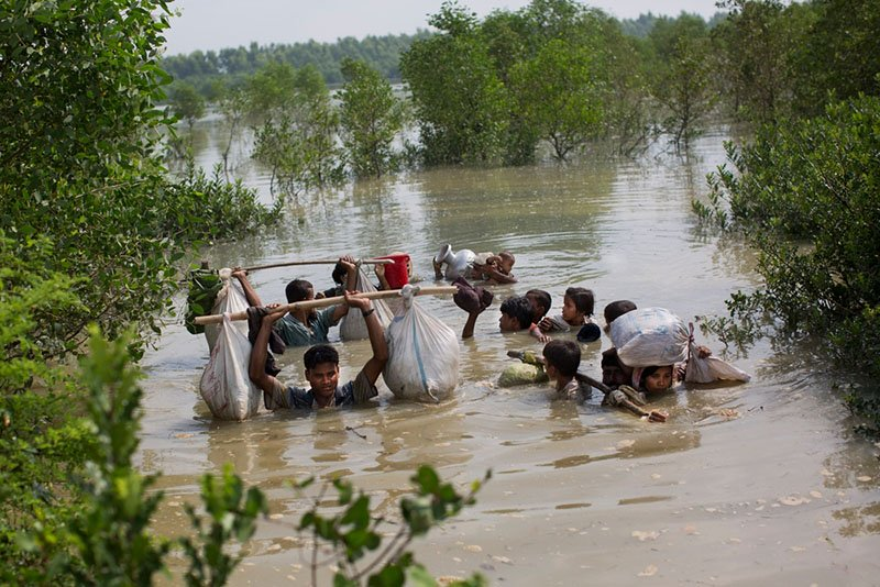 Bangladesh, people fleeing, no medical access to medical care