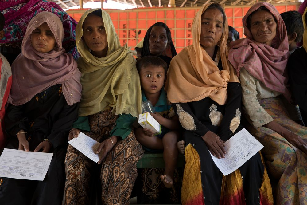 Rohingya Refugee patients waiting for MSF treatment