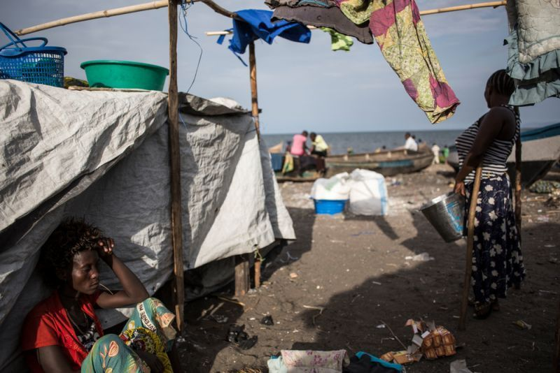 Internally displaced Congolese take refuge on the shoreline of Lake Albert on 5 March 2018.