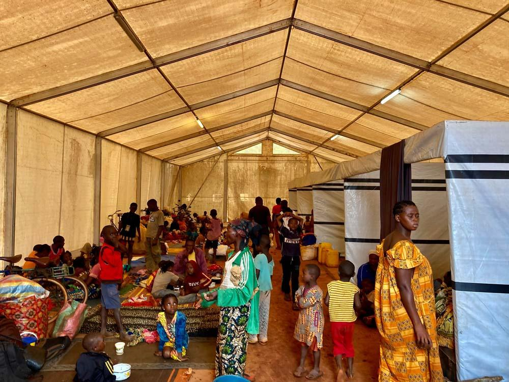 A picture of families seeking refuge inside the MSF-supported Bangassou University Regional Hospital