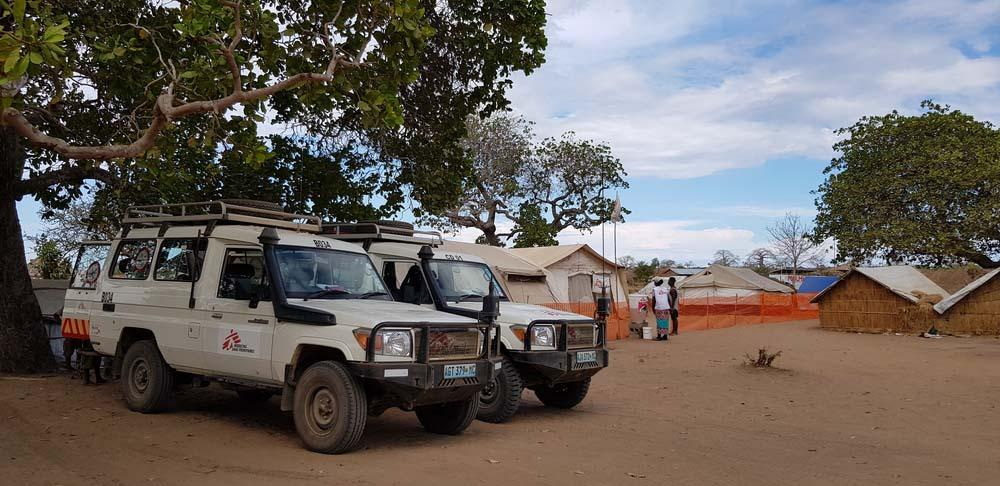 A picture of MSF cars outside the 25 de Junho Camp in Cabo Delgado