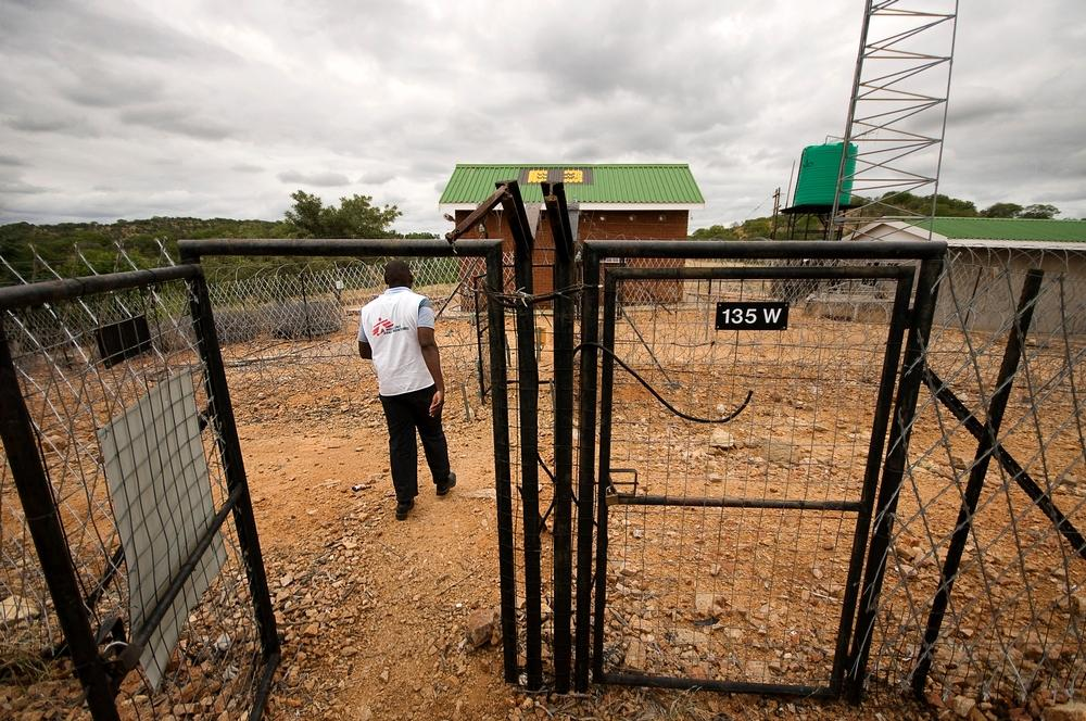 MSF, South Africa, Musina, Border gate
