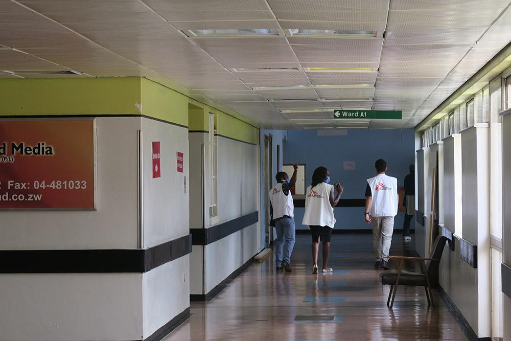 A picture of MSF staff inside the Parirenyatwa Hospital in Zimbabwe.